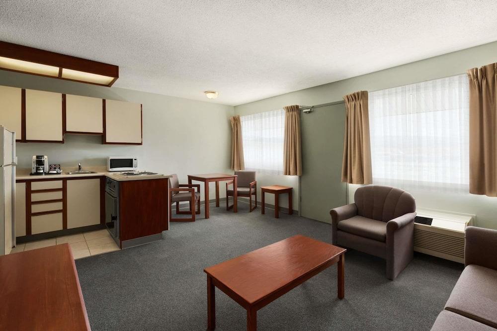 套房, 1 張特大雙人床, 非吸煙房 (1 Bedroom) - 客房內廚房