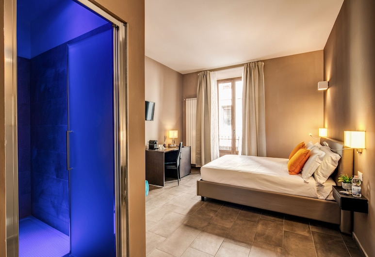 H501 Luxury Rooms, Rome, Deluxe Double Room, Balcony, Guest Room