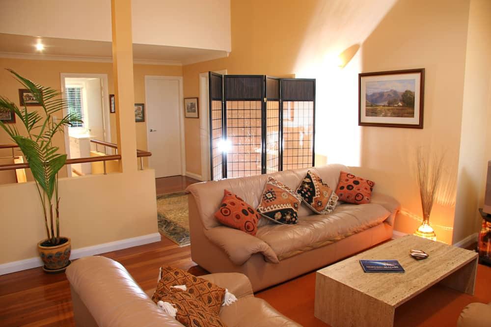 Clareville Suite - Living Area