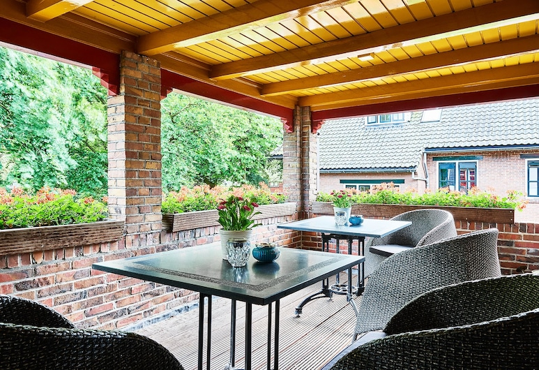 B&B Villa Emmen, Emmen, Comfort tweepersoonskamer, Balkon (3), Terras