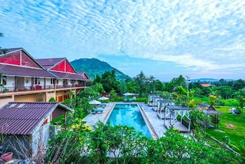 Picture of Boreirom Teuk Chhou Resort in Kampot