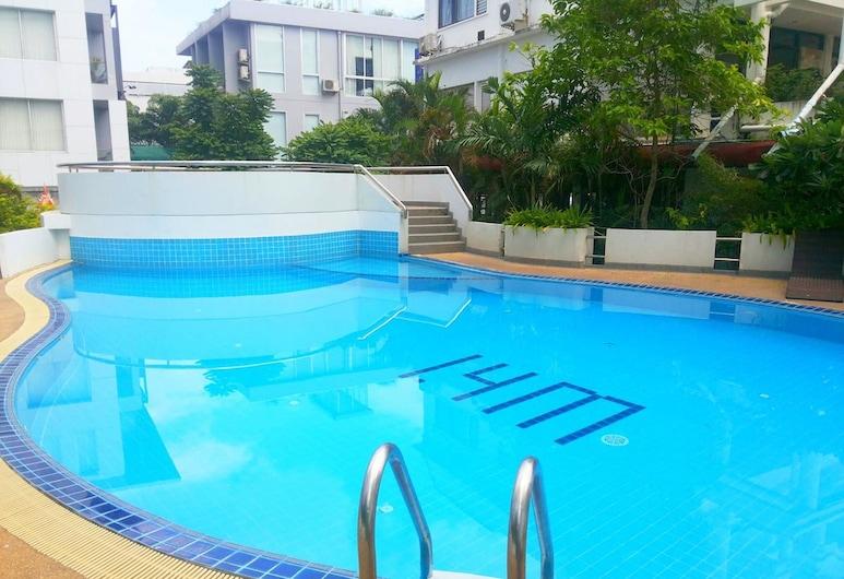 芭東大樓聯合 21 號泰國酒店, 巴東, 室外泳池