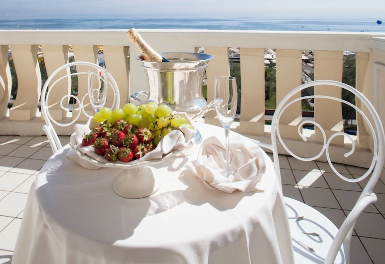 Hotel Conchiglia, Cervia, Superior Quadruple Room, Balcony, Sea View, Balcony