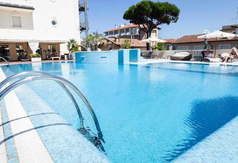 Hotel Conchiglia, Cervia, Útilaug