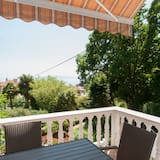 Two - Bedroom Apartment with Sea View - Balkon
