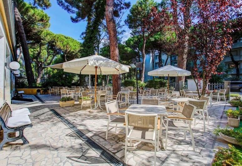 Hotel Majorca, Cervia, Speisen im Freien