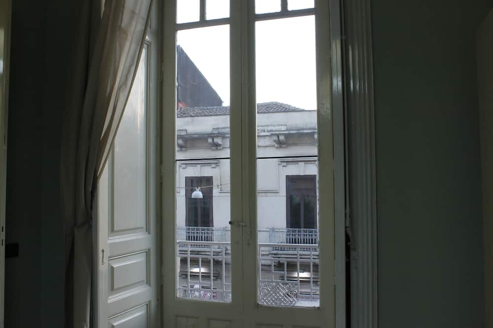 Komforta četrvietīgs numurs, divas guļamistabas - Skats no balkona