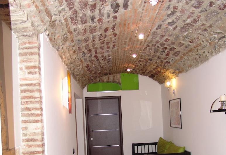 InCentro Apartments, Milazzo, Leilighet – city, ikke-røyk, utsikt mot hage, Oppholdsområde