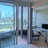 Harbourfront Large 1 Bedroom - Balcony