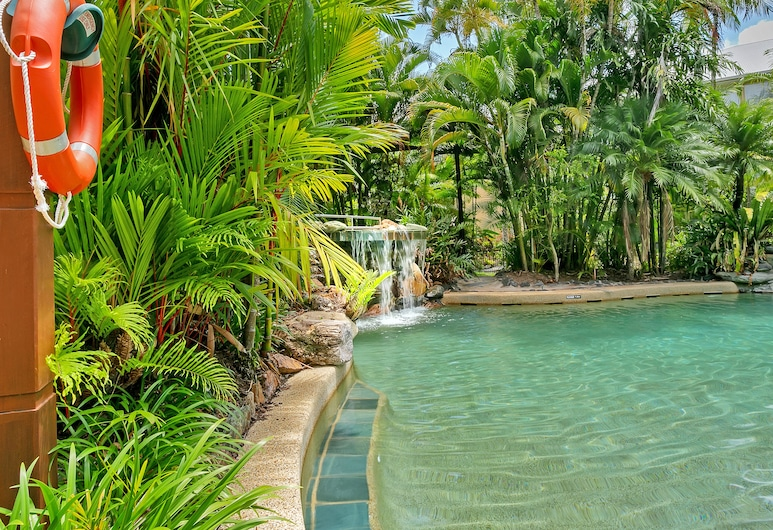 Trinity Links Resort, White Rock, Infinity Pool
