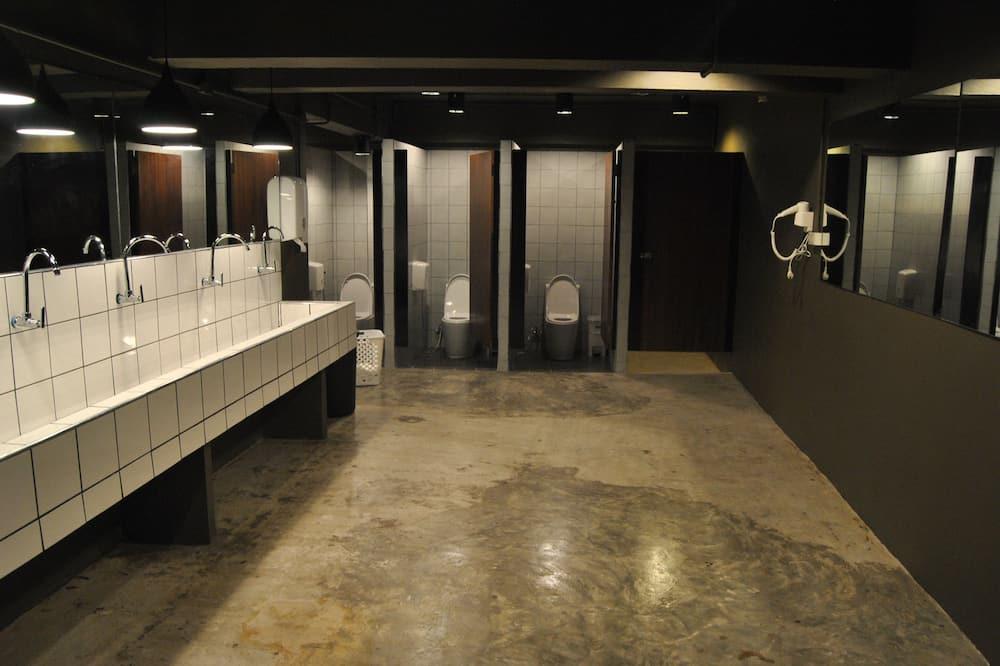Capsule in Male Dormitory - Bathroom