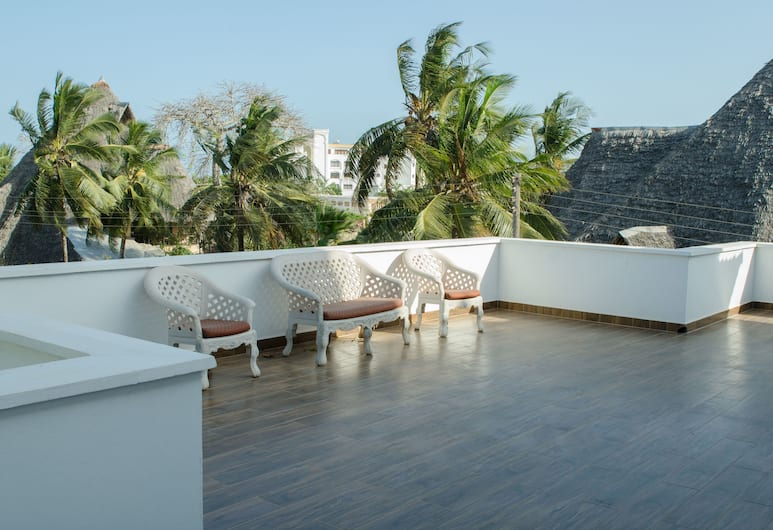 Queens Chateau Boutique Villa, Diani Beach, Deluxe Double Room, Accessible, Non Smoking, Balcony View