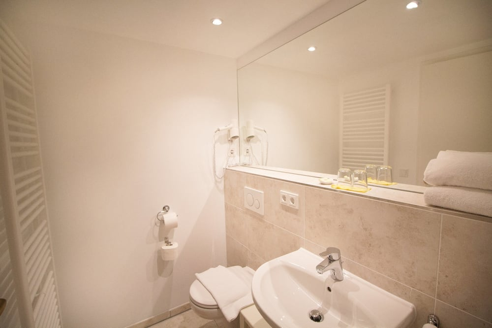 Standard Double Room (Capri) - Kemudahan Bilik Mandi