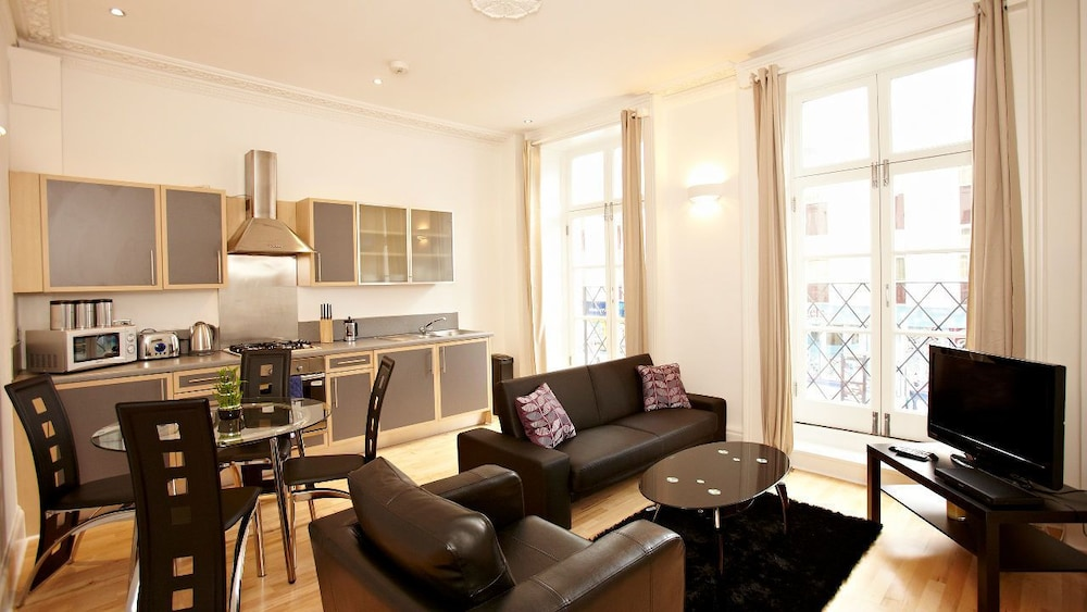 Urban Stay London Victoria Apartments, London, Deluxe Apartment, 1 Bedroom,  Kitchen,