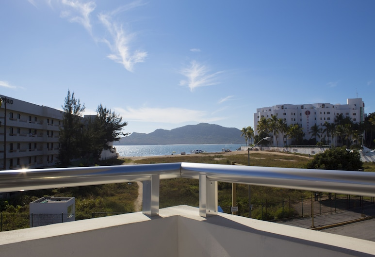 Venados Inn, Mazatlan, Terrace/Patio