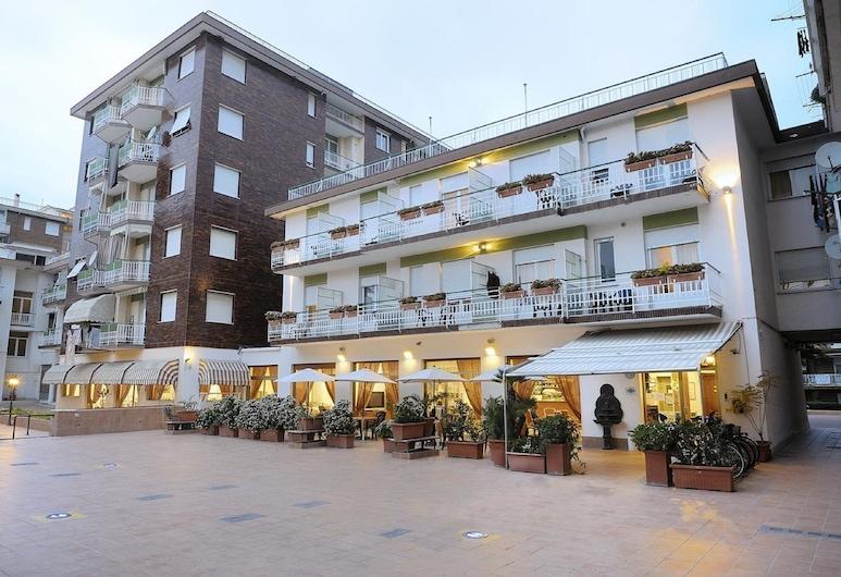 Hotel Arma, טג'יה