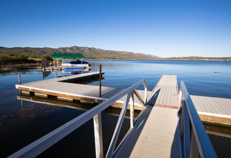 Lakefront Cabin Romantic 1BR Couple's Resort Cottage / Walk to Marina & Village, Биг-Биар-Лейк, Балкон