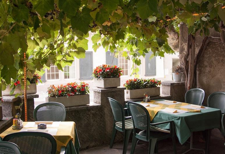 Hotel de la place, Корсьє-сюр-Веве, Сад