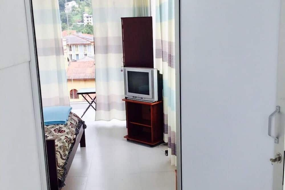 Standard Double Room, 1 Double Bed, Shared Bathroom, City View - Guest Room