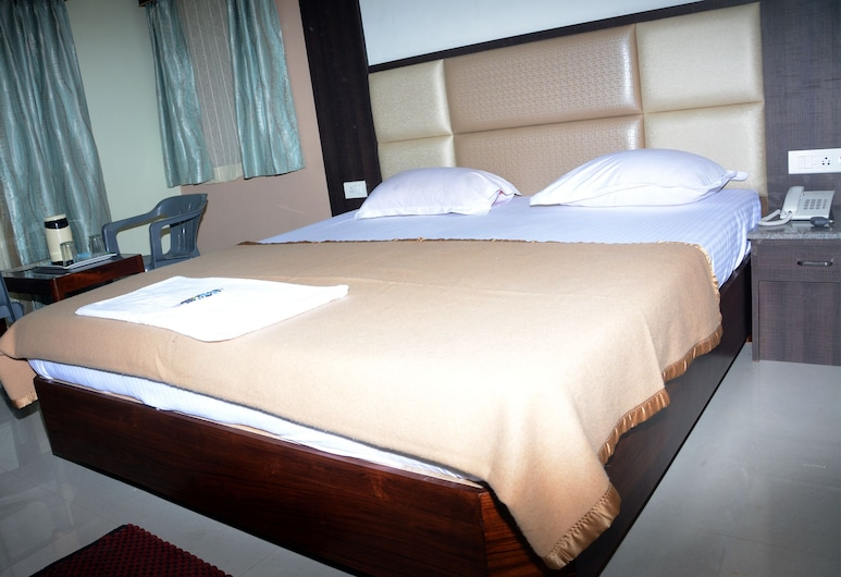 Hotel City Plaza, Πουρί, Superior Δίκλινο Δωμάτιο (Double), 1 King Κρεβάτι, Καπνιστών, Μερική Θέα στη Θάλασσα, Δωμάτιο επισκεπτών