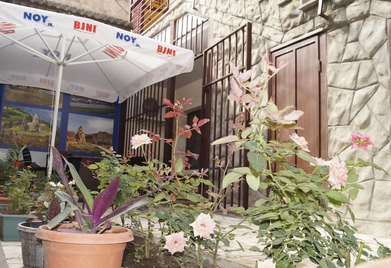 Komitas Avenue Guest House, Yerevan, Terras