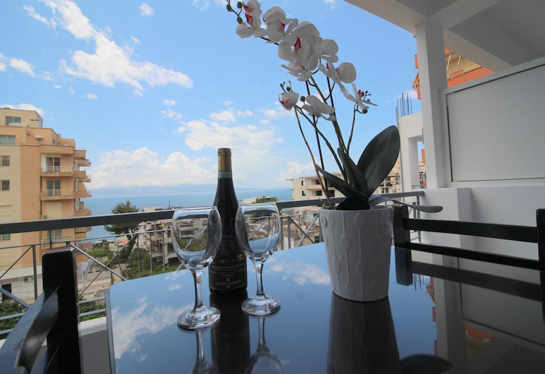 Oxhaku Hotel, Sarandë, Triple Room, Sea View, Balcony View