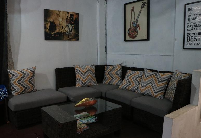 8th Street Guesthouse - Hostel, Cebu, Lobby Sitting Area