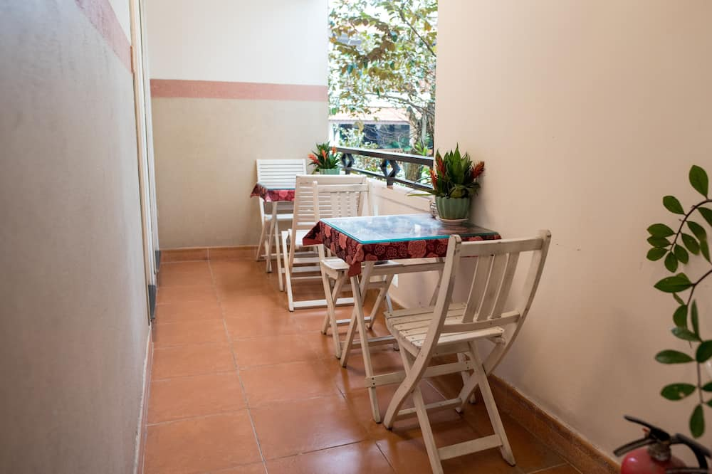 Habitación familiar, baño privado - Balcón