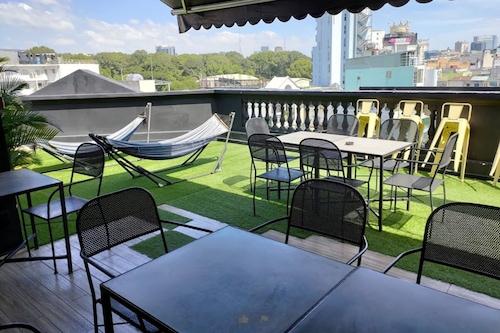 濱海吊床飯店/