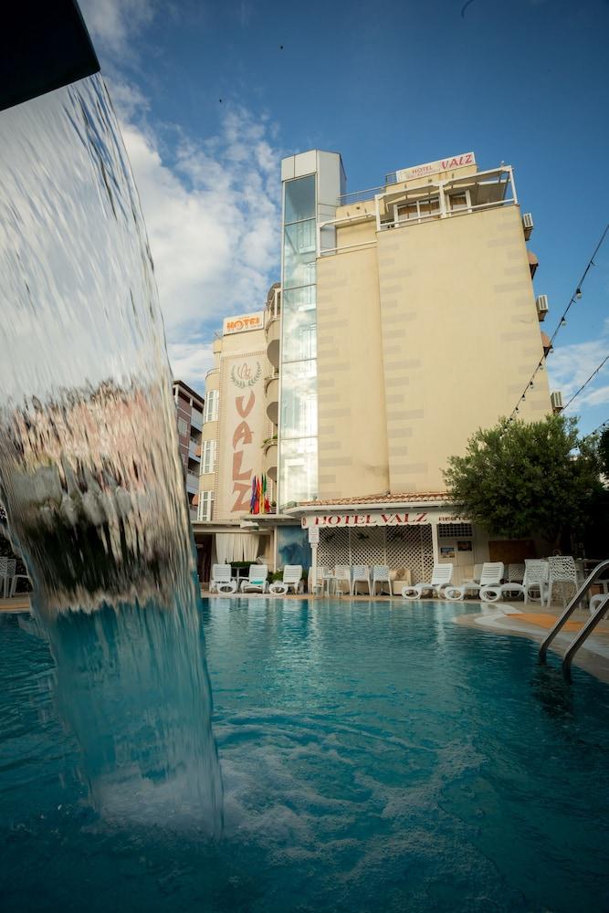 Hotel Valz Velipoje