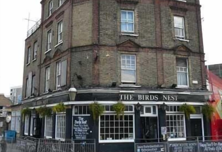 The Birdsnest Guest House, London, Hotel Front