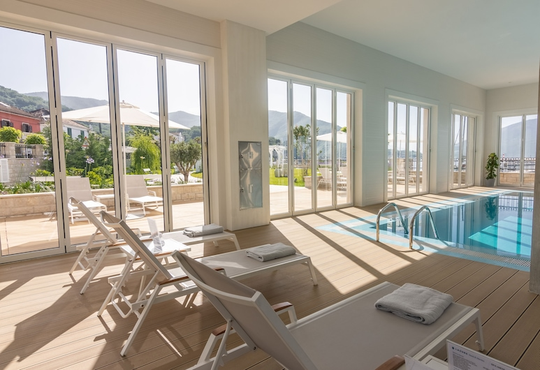Lazure Hotel and Marina, Герцег-Нові, Критий басейн