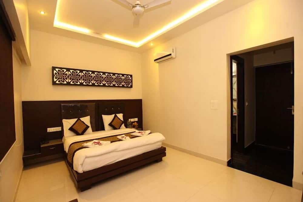 Premium Double or Twin Room, Smoking, City View - Guest Room