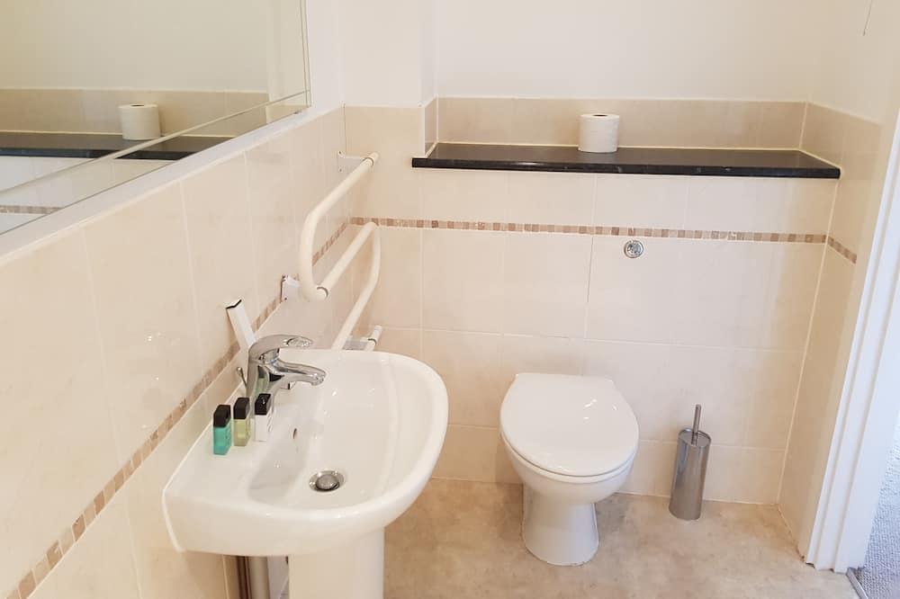 Executive Apartment, 2 Bedrooms, Kitchen - Bathroom