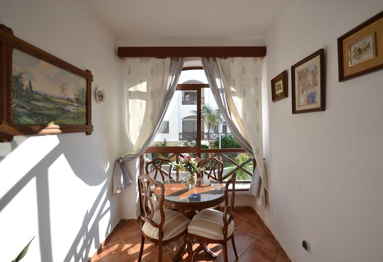 مجمع كوستا دي كابو, الرأس الأسود, شقة, تِراس/ فناء مرصوف
