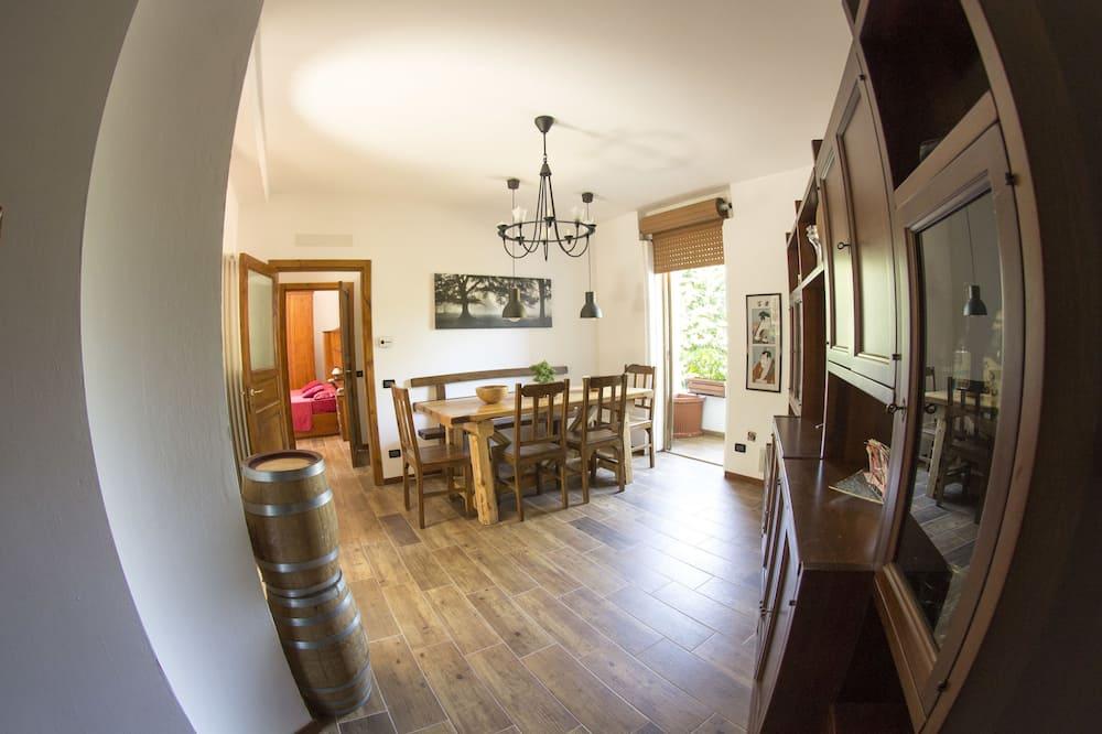 Superior lakás, 2 hálószobával, konyha, kerti - Nappali rész