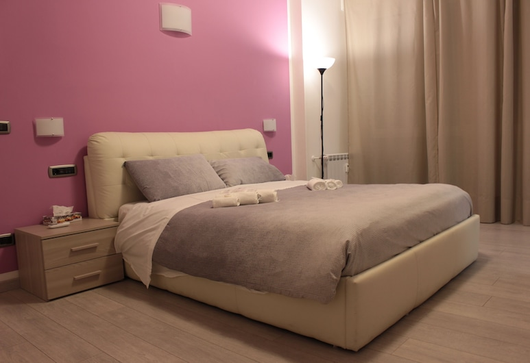 4 Star Apartments, Bologna, Deluxe appartement, 1 kingsize bed, Kamer