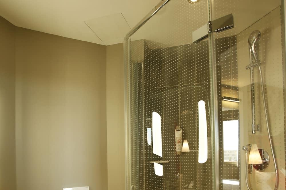 Superior-Doppelzimmer, 1Doppelbett und Schlafsofa - Badezimmer