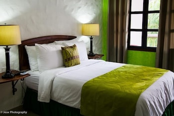 Enter your dates to get the Copan Ruinas hotel deal