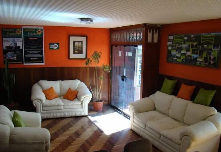 Incama Hostel, Cusco, Lobby Sitting Area
