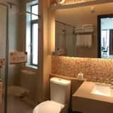Deluxe Apartment with Two-Bedrooms - Bathroom