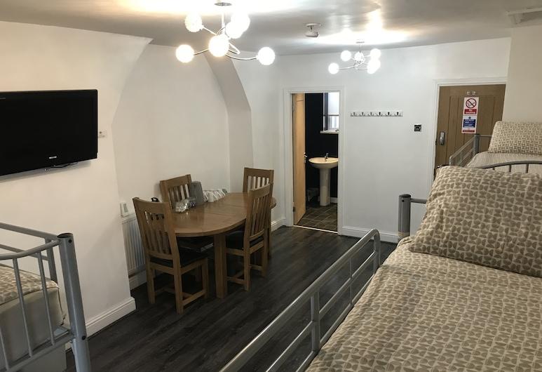 Anfield Rooms, Liverpool, Štandardná izba, viacero postelí, Obývacie priestory