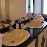 Dört Kişilik Oda, Özel Banyo (External)(2) - Banyo