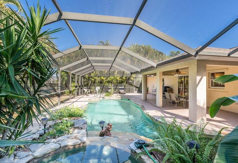 5828 SW 1st Place Home, Cape Coral