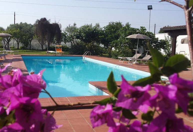 Borgo Fiore Country House, Campi Salentina, בריכה חיצונית