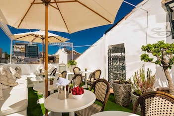 Enter your dates for special Marbella last minute prices