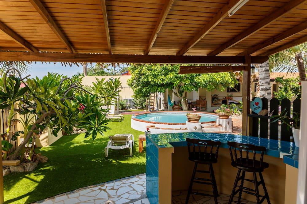 Estudio panorámico, 1 habitación, vista al jardín, junto a la piscina - Terraza o patio
