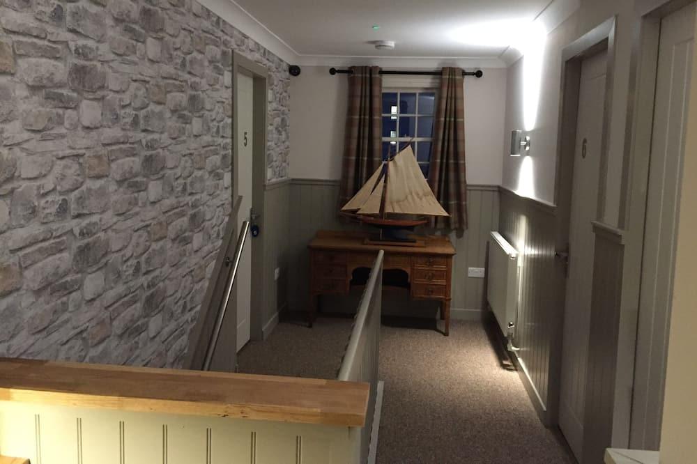 Double En-suite - Living Area