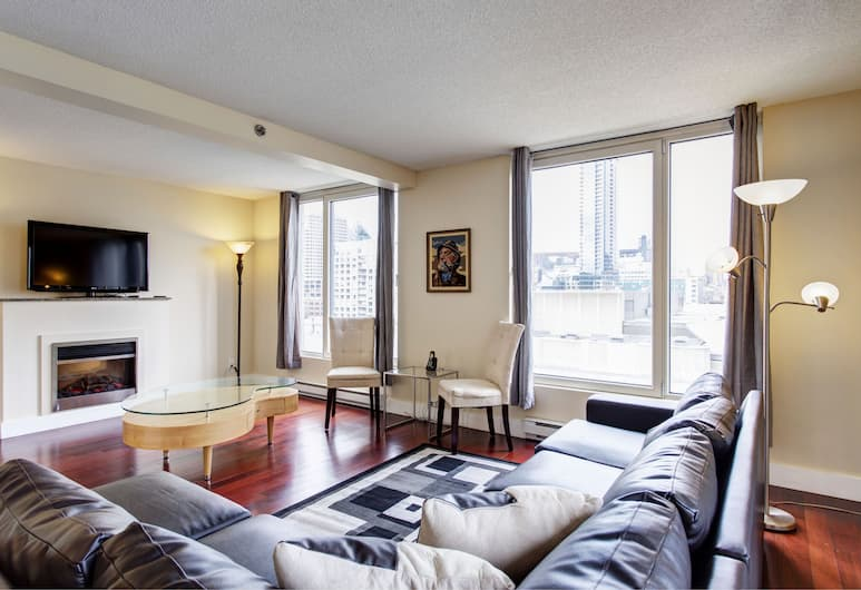 Saint François Xavier Furnished Suites by Hometrotting, Montreal, Apartment, 2 Queen Beds (1314), Living Area