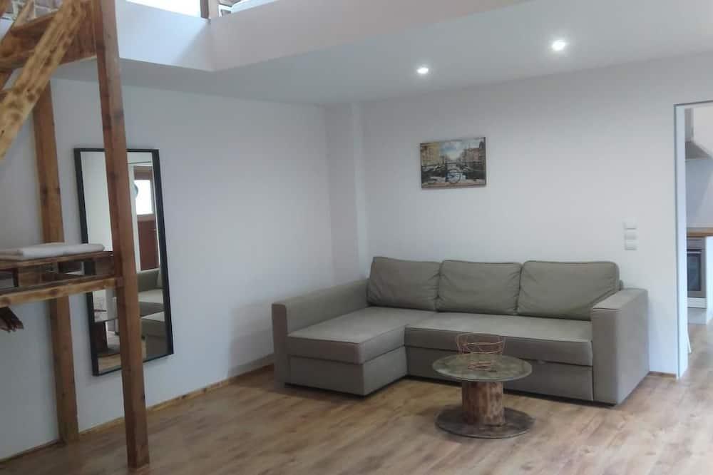Design House, 1 Double Bed, Garden Area - Living Room